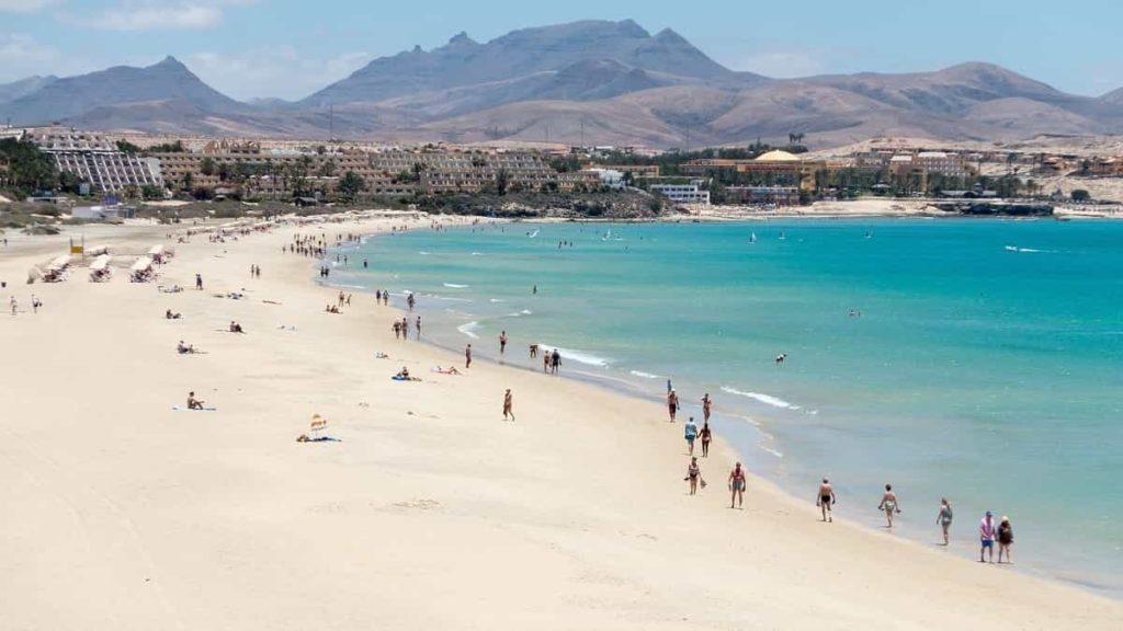 Il tuo viaggio a Fuerteventura tra spiagge bianchissime, coste e scogliere