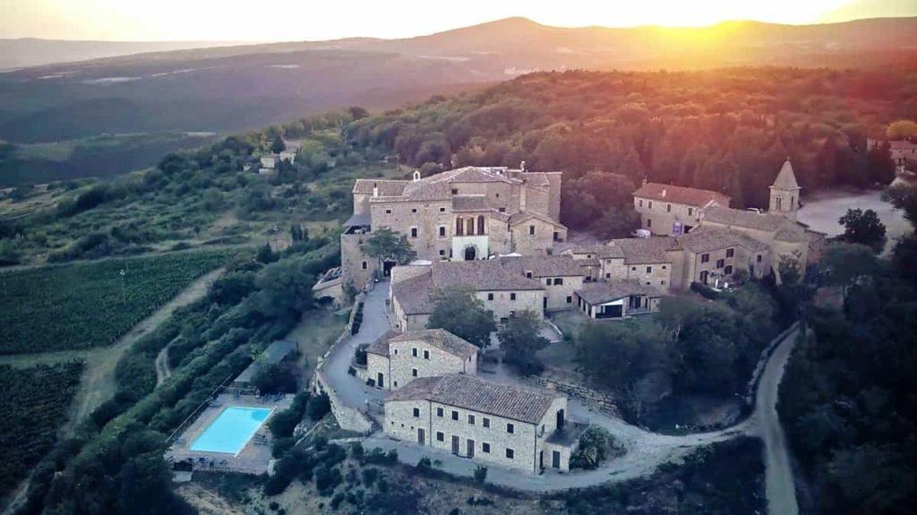 SingleUp ha pensato ad un salsa weekend nel Castello di Titignano